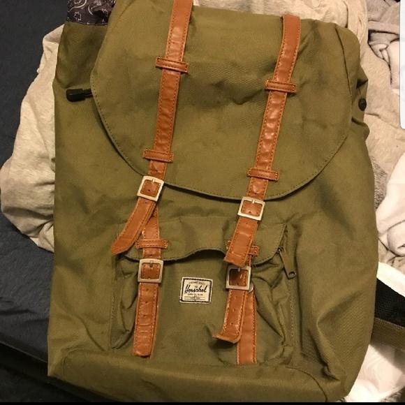 Herschel Supply Company Handbags - Last   drop Herschel green backpack 0fb078d155fe6